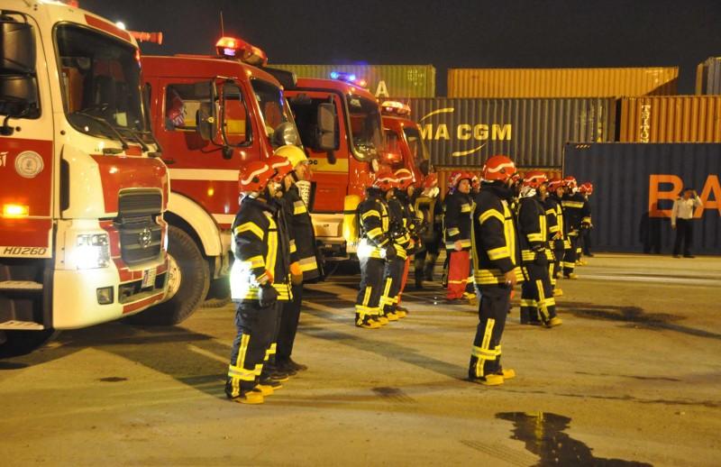 جذب ۵۰ هزار آتشنشان داوطلب در تهران