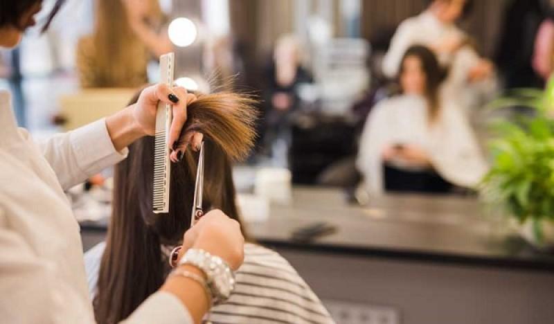 برای استخدام آرایشگر به چه اصولی توجه کنیم؟