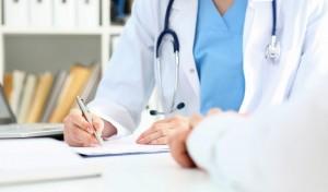 بررسی شغل پزشک داخلی