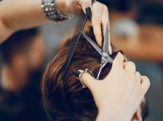 استخدام آرایشگر